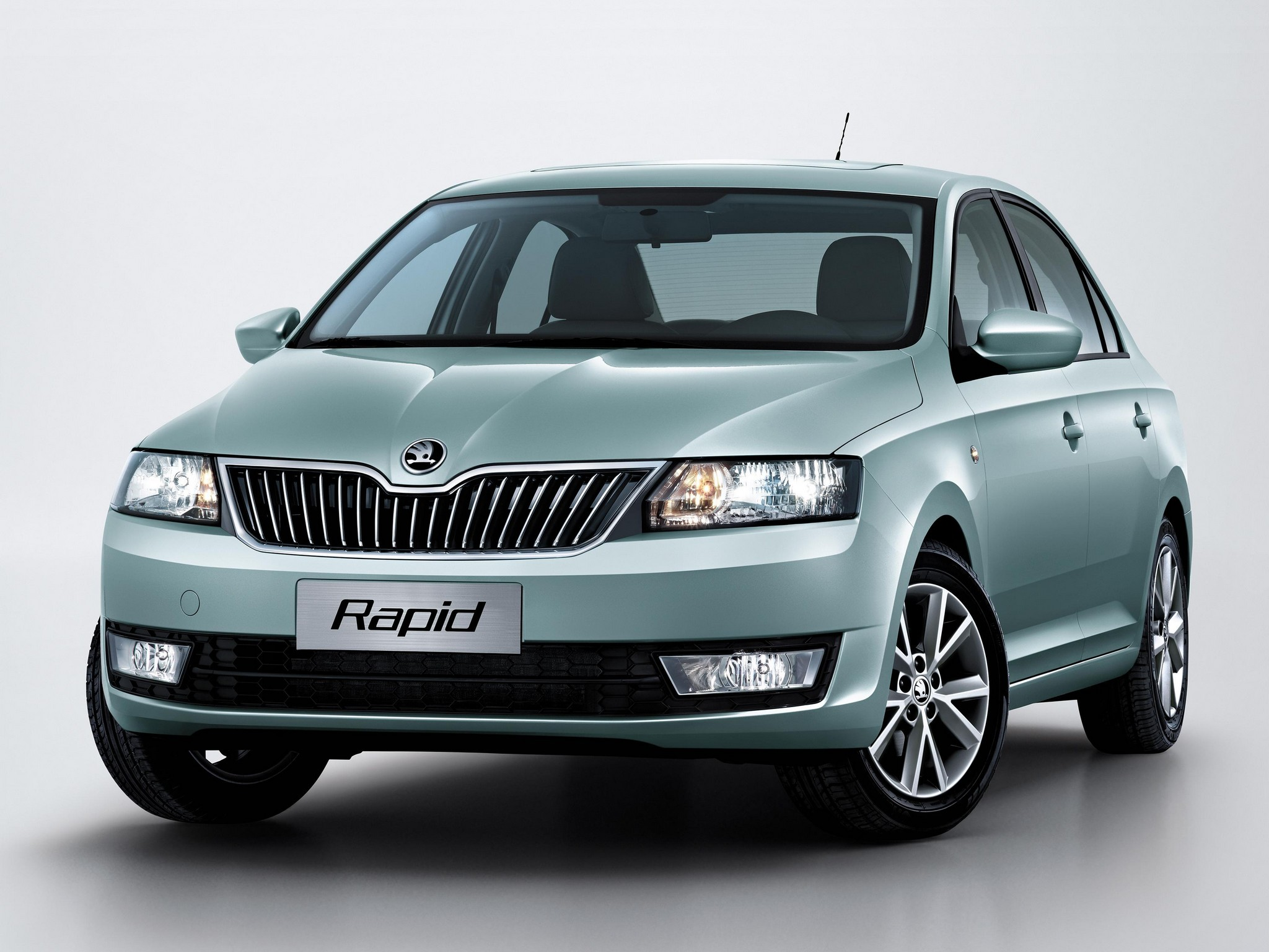 Skoda Rapid Leisure 1 6 Mpi At Petrolprice In India