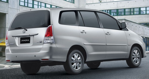 Toyota Innova 2.5 E PS 7 STR BS-IV (Diesel)
