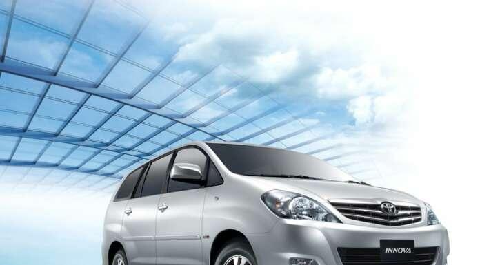 Toyota Innova 2.5 E PS 8 STR BS-III (Diesel)
