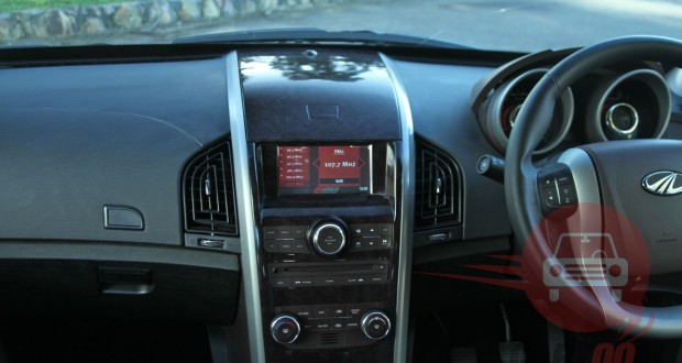 Mahindra XUV 500 Interiors Dashboard