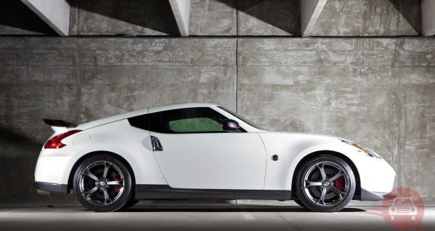 Nissan 370Z Exteriors Side View