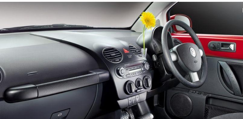 Volkswagen New Beetle Interiors Dashboard