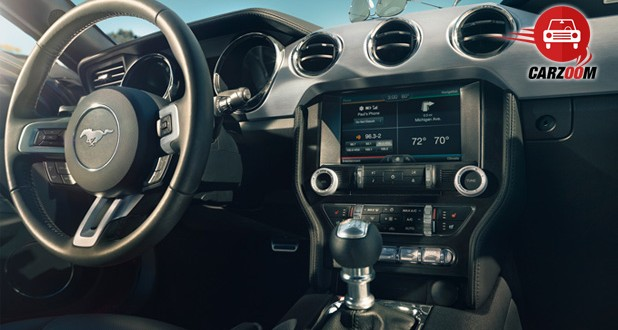 Ford Mustang 2015 Dashboard3