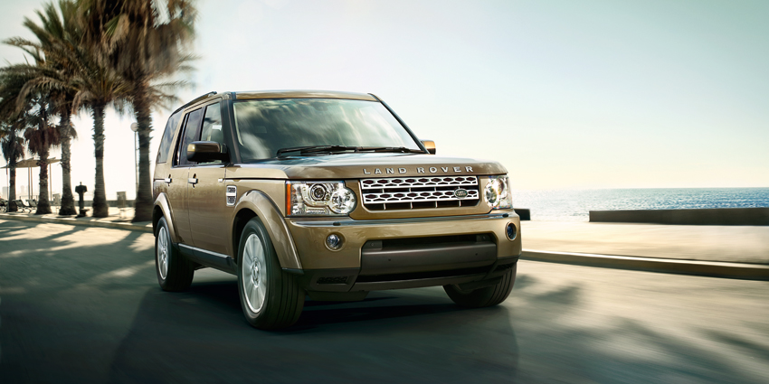 Land Rover Discovery 4 Exteriors Front View