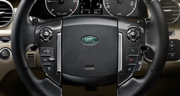 Land Rover Discovery 4 Interiors Dashboard