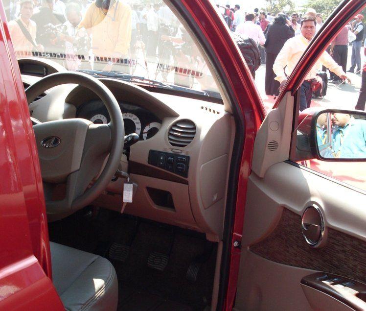 Mahindra Xylo Interiors Dashboard