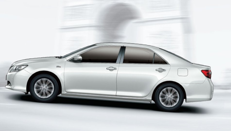 Toyota New Camry Exteriors Side View