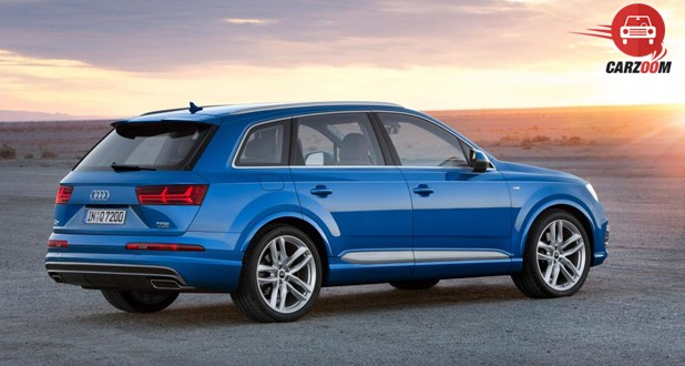 Audi Q7 Right View