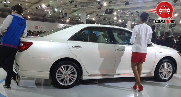 Auto Expo 2014 New Toyota Corolla Altis Exteriors Side View