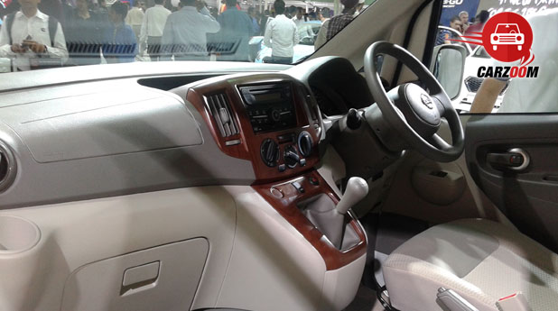 Auto Expo 2014 Nissan Evalia Facelift Interiors Dashboard