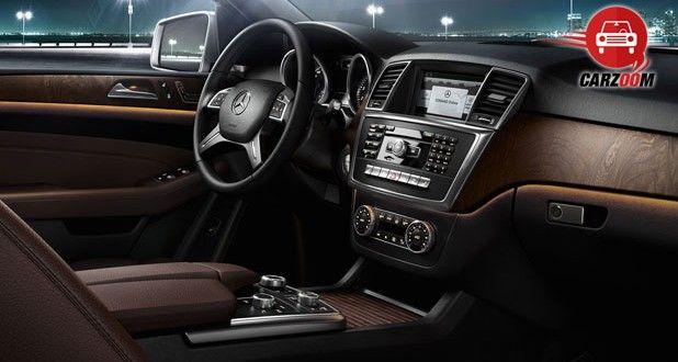 Mercedes-Benz M-Class Interiors Dashboard