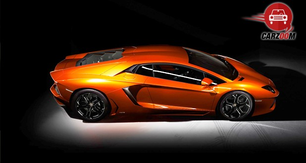 Lamborghini Aventador Exterior Side and Top View