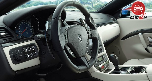 Maserati Gran Turismo Interior Steering Wheel view