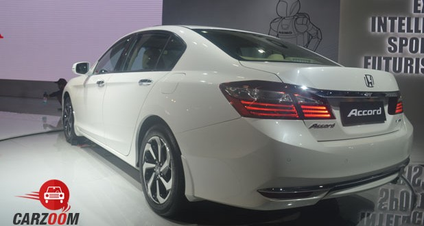 Honda Accord Hybrid Back