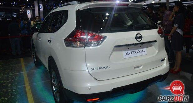 Nissan X-Trail Hybrid Back