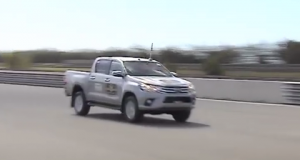 2016 Toyota Hilux Crash Test