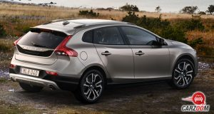 volvo v40 cross country back