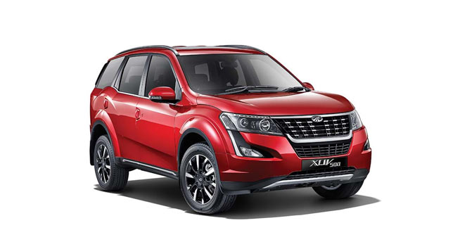 Mahindra-XUV500-Front-and-Side-View