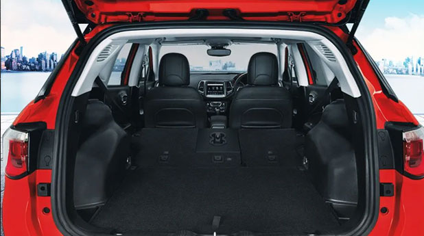 Jeep-Compass-Trailhawk-Bootspace