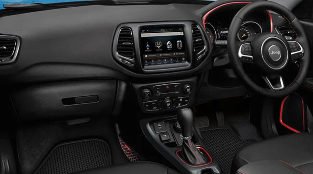 Jeep-Compass-Trailhawk-Dashboard