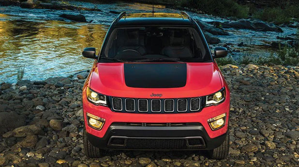 Jeep-Compass-Trailhawk-Overall-Front-View