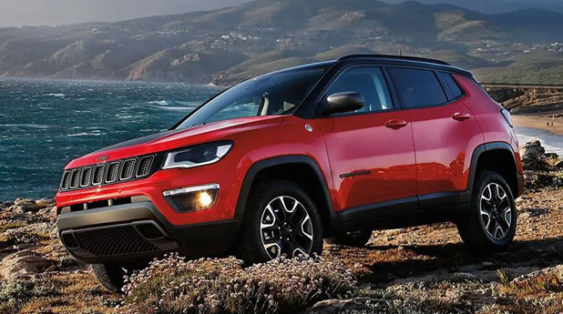 Jeep-Compass-Trailhawk-Side-View