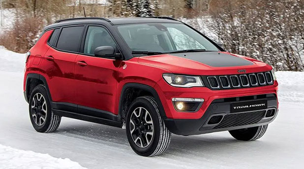 Jeep-Compass-Trailhawk-Side-and-Front-View