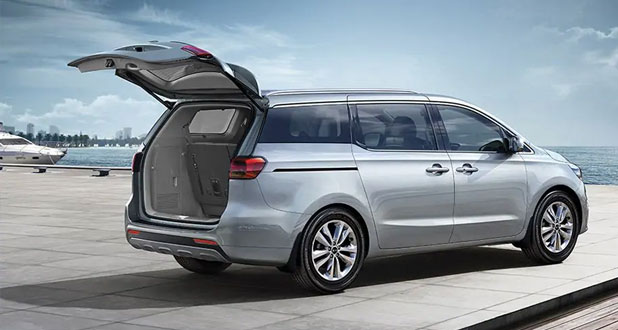 Kia-Carnival-Back-and-Side-View
