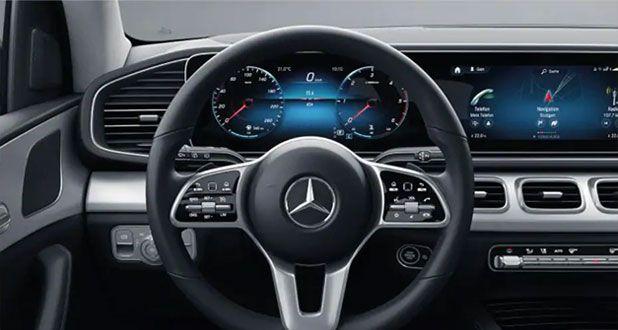 Mercedes-Benz-GLE-DAshboard
